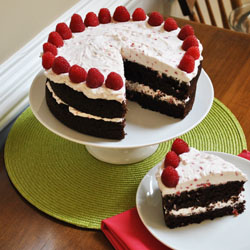 Cake With Chocolate Whipped Cream Frosting : Ryan Bakes: Chocolate Cake with Raspberry Whipped Cream ...
