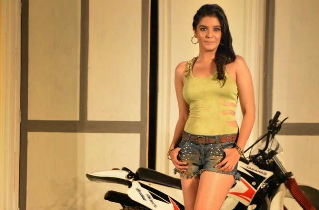 Pooja Gaur HD wallpapers Free Download
