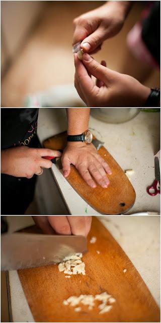 давим и режем чеснок