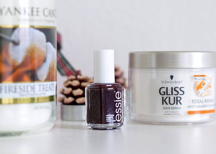 December Favourites, Yankee Candle, Essie, Schwarzkopf, LotR, Hobbit, Vlogmas, Miss Blue Eyes
