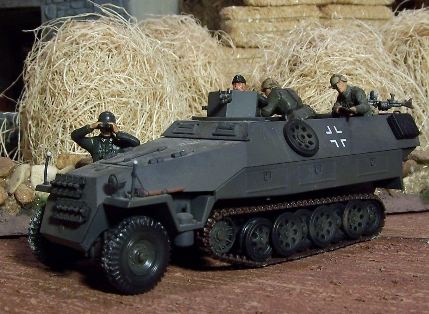 Halftracks & Light Vehicles 01+German+SD+KFZ+259+21C+Europe