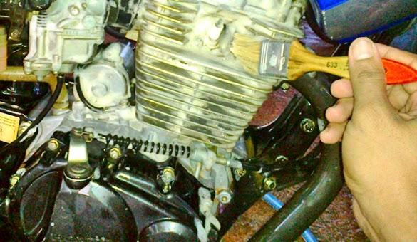 Tips dan Cara Membersihkan Bagian Rangka Sepeda Motor