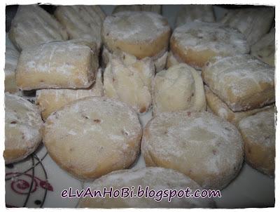 kurabiye,un kurabiyesi,sade kurabiye