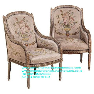 Mebel ukir jepara,Sofa ukir jepara Jual furniture mebel jepara sofa tamu klasik sofa tamu jati sofa tamu antik sofa tamu jepara sofa tamu cat duco jepara mebel jati ukir jepara code SFTM-22018 sofa ukir vintage,mebel ukir jepara