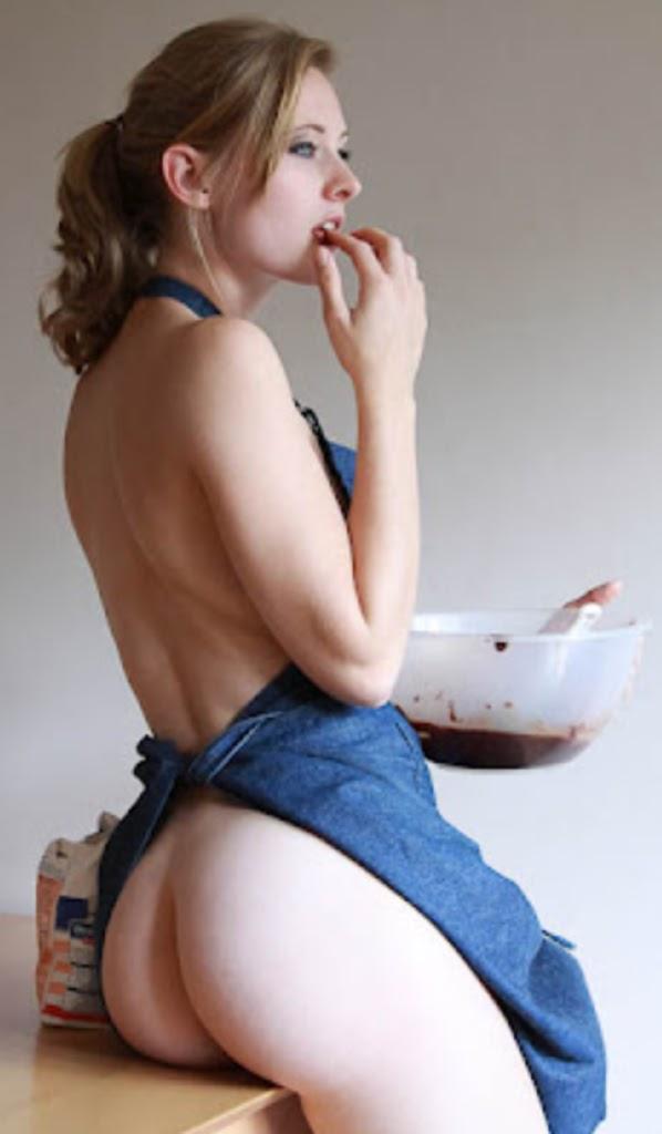 Вфартуке на голое тело порно фото 217-231
