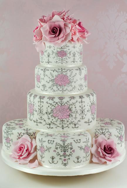 tarta rococo pintada a mano con rosas
