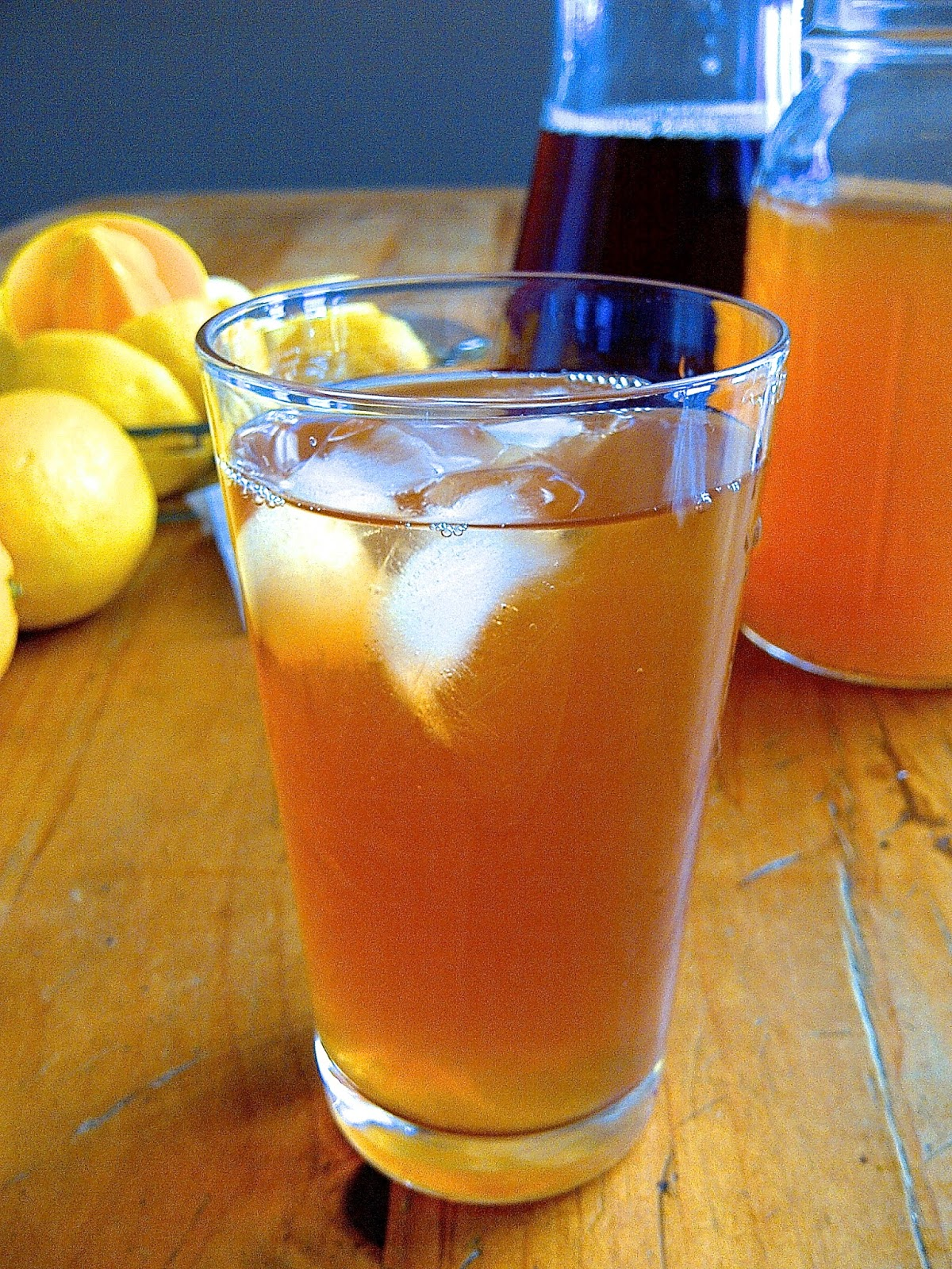 Arnold Palmer Teas, half ice tea & half lemonade - www.soliloquyoffood.com