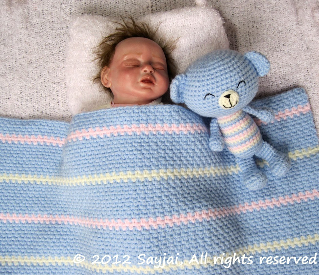 Crocheting Easy Baby Blanket : Easy Baby Blanket Crochet Pattern - Sayjai Amigurumi Crochet Patterns ...