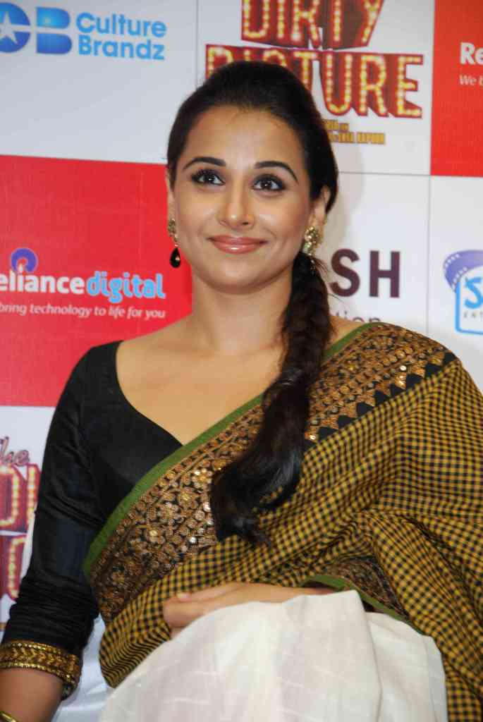 Vidya Balan in Saree at  Dirty Picture DVD Launch1 - Vidya Balan & Tushar Launched Dirty Picture DVD