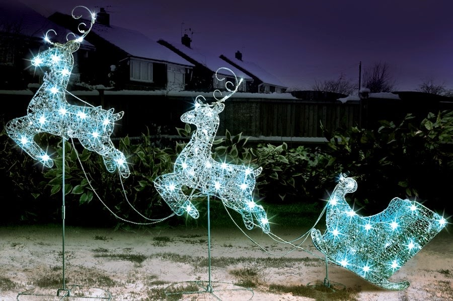 LED Flying Reindeer and Sleigh