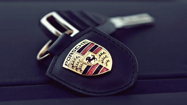 Porsche Key Holder Close Up Photo HD Wallpaper