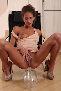 wet pussy - rs-Brunette-Babe-Silvie-Deluxe-6-771136.jpg
