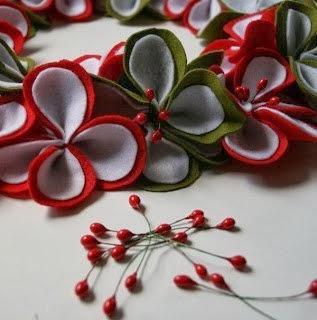 Венок из фетровых цветиков