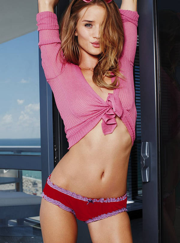 rosie huntington-whiteley haircut. Rosie Huntington Whiteley Hot