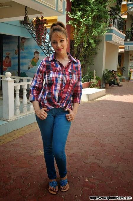 Munmun Dutta aka Babita Ji Hot Pics | mission SPOT dorrrrrrr Taarak Mehta Ka Ooltah Chashmah Babita Hot