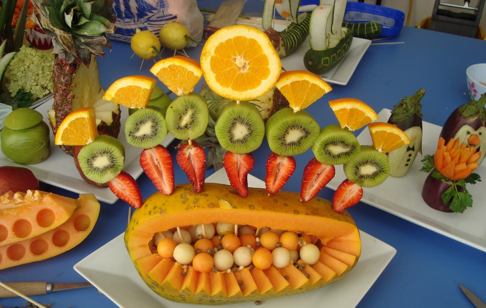 Decoracion mesa frutas cake ideas and designs for Decoracion de frutas para fiestas infantiles