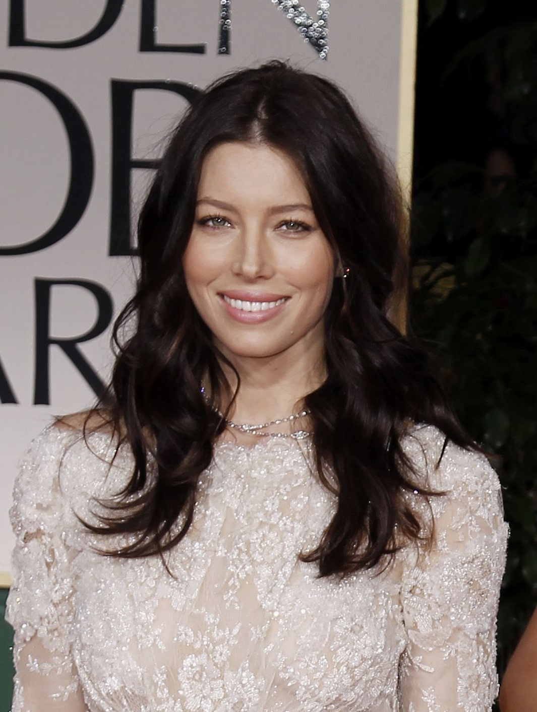 http://3.bp.blogspot.com/-P6a5SD618Xc/TxdJbmOvaNI/AAAAAAAACkM/4sDylYW9D0s/s1600/www-bruce-juice-com_CU-Jessica-Biel-arrives-at-the-69th-Annual-Golden-Globe-Awards-04.jpg