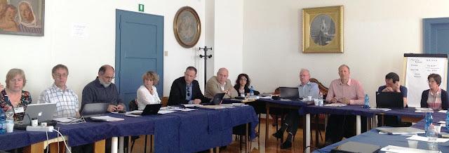 Fotografia de alguns parceiros, durante a reunião geral