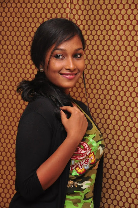 swathi narthagi hot images