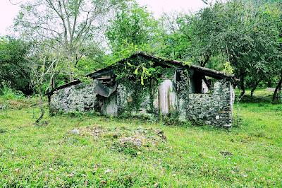 Casa abandonada junto al Río Filobobos, Tlapacoyan.