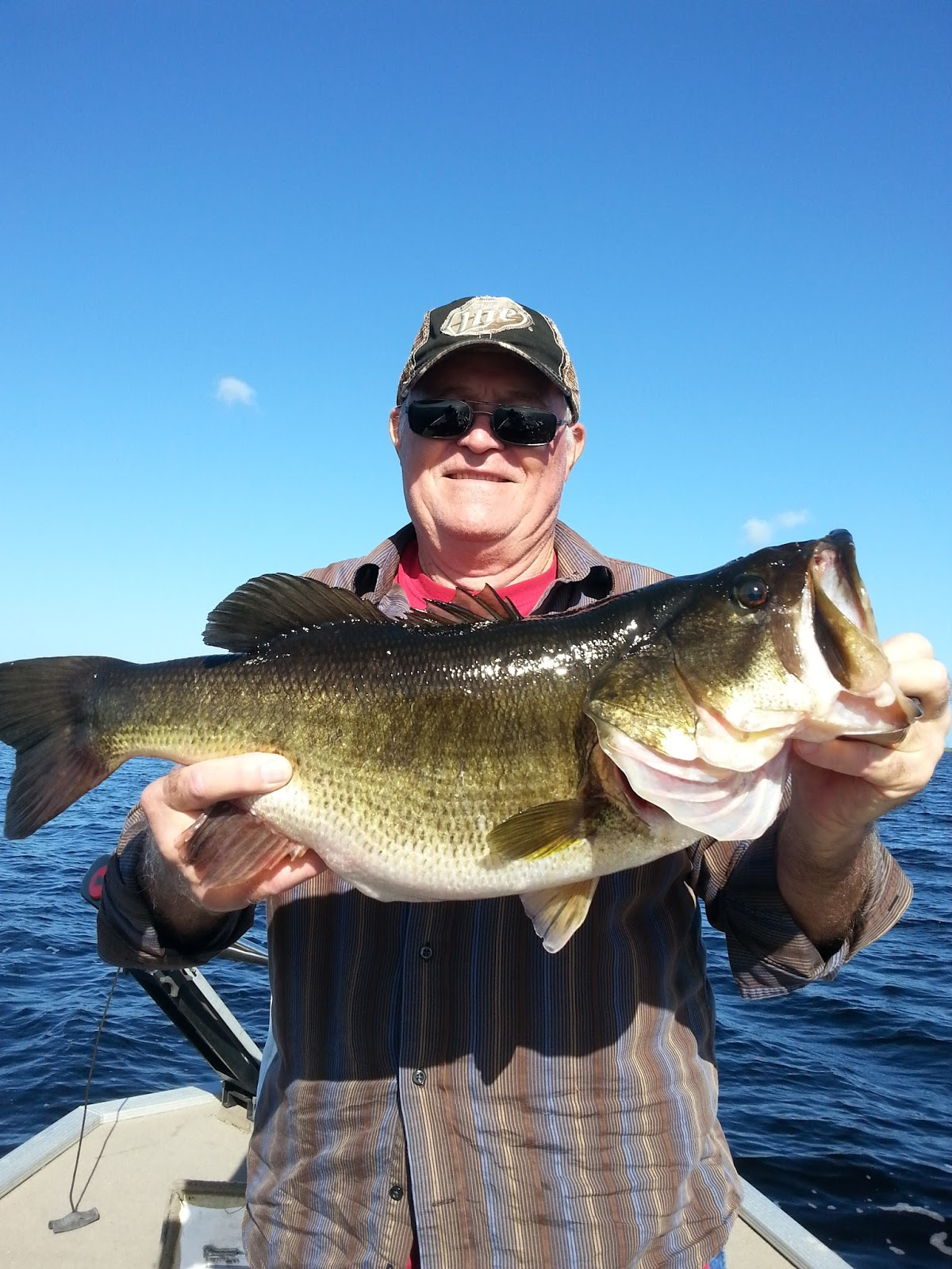 11 28 15 trophy bass lake okeechobee lake okeechobee for Lake okeechobee fishing guides