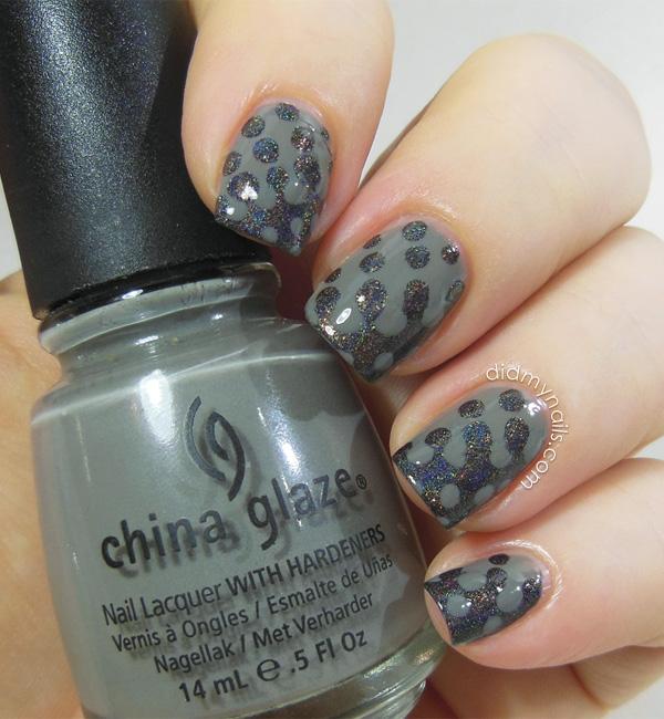 interlocking dots nail art
