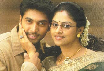 M. Kumaran Son Of Mahalakshmi 2004 Tamil Movie Watch Online