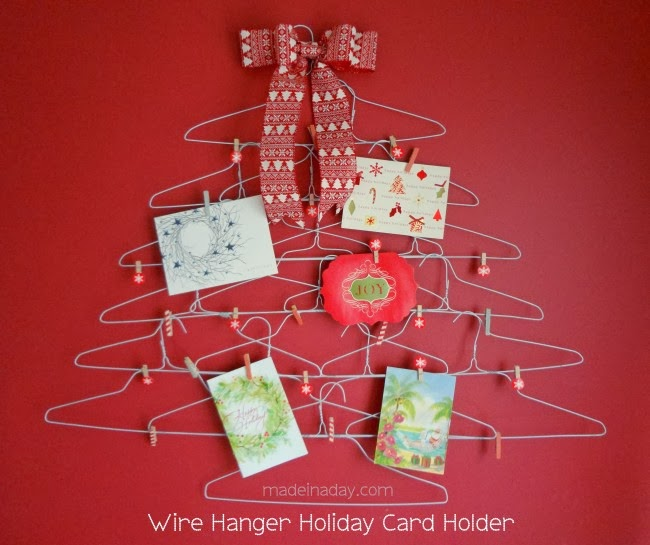 Quirky Wire Hanger Holiday Card Holder #craft #Christmas #decor #organization
