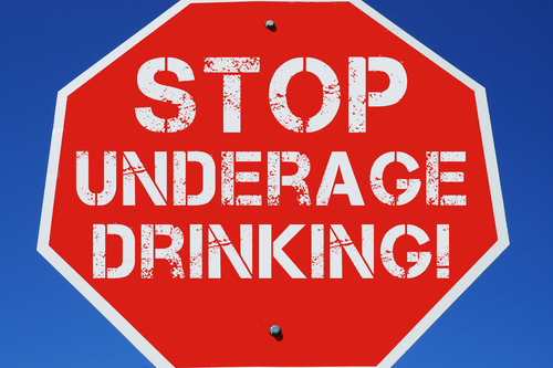 underage drinking Mobile police busted an underage drinking party over the weekend one of those  picked up is a walk-on kicker for auburn police say 15 teens.