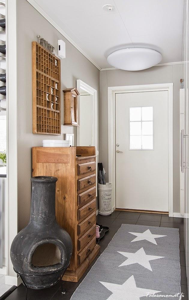 La buhardilla decoraci n dise o y muebles una preciosa for Alfombras recibidor