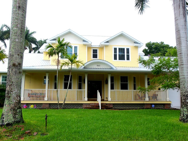 Kiki nakita edison park historic district fort myers day - Yellow house with green roof ...