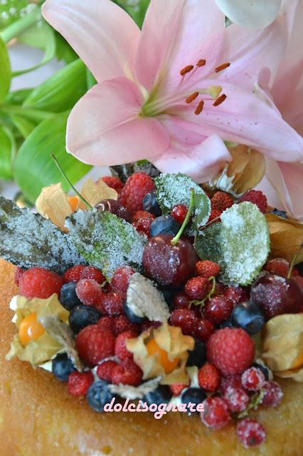 savarin con crema e frutta fresca