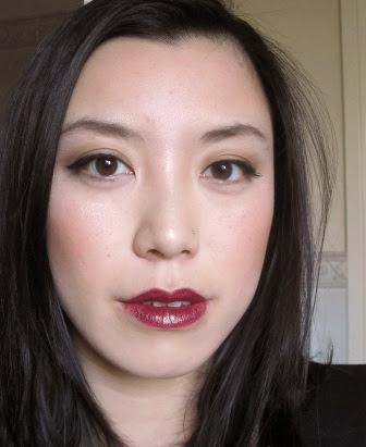 Warna lipstik Bruised Plum