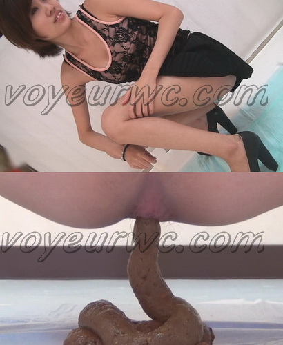[FF-026] Young girls on squatting shitting on camera