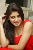 Priyadarshini Glam Pics in Red at Dillunnodu audio-thumbnail-7