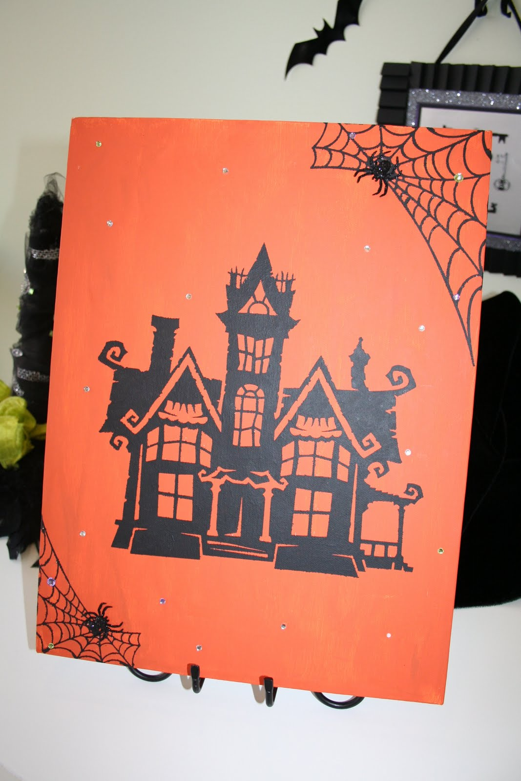 oh my crafts blog: halloween house made with vinyl & my color paint!