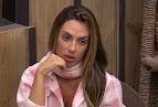 """""""A Fazenda"""": Nicole Bahls chora longe dos peões e chama Marcos Harter de agressor"""