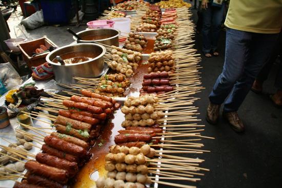Bangkok street food cooking traveling in thailand download pdf bangkok street food cooking and traveling in thailand by eva verplaetse els goethals luk thys and tom vandenberghe 2010 paperback forumfinder Choice Image