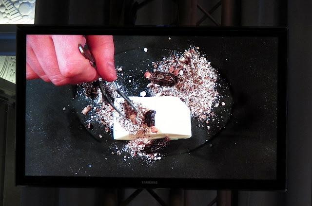 David Toutain - Omnivore - Dessert reine des prés, morilles