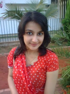 Desi Beauty Girl For Eid 2012