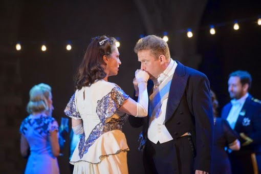 Cheryl Barker and Peter Auty in Adriana Lecouvreur - Opera Holland Park - photo credit Fritz Curzon