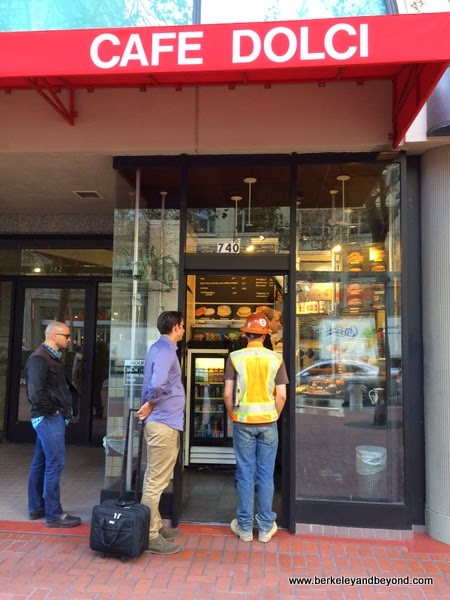 line at entrance to Cafe Dolci in San Francisco