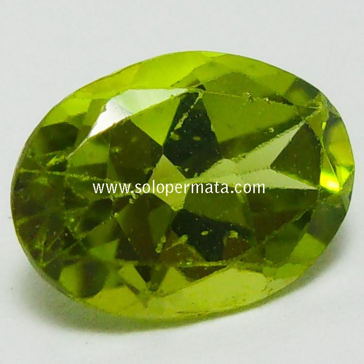 Batu Permata Yellowish Green Peridot - 02B07