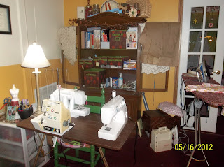Sewing area room sewplus.blogspot.com