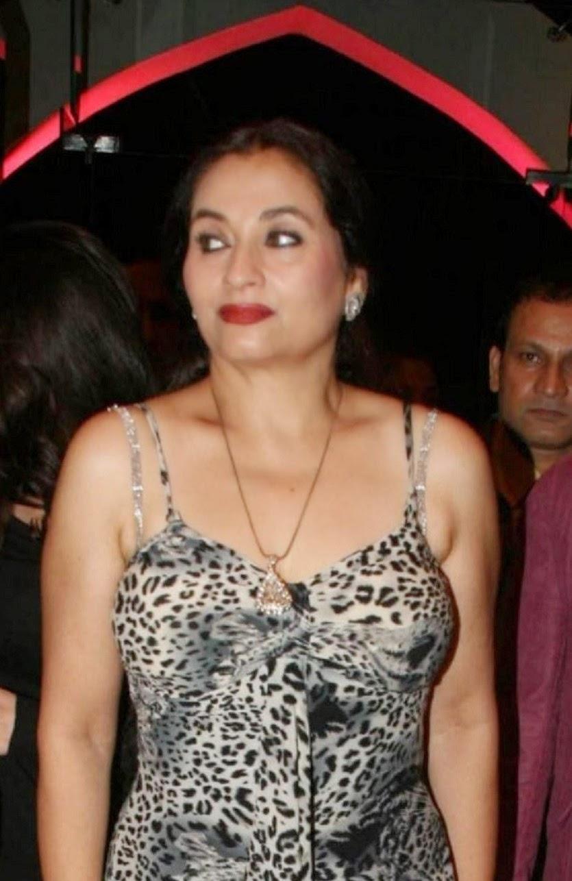 Salma Agha Salma Agha new foto