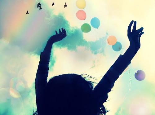 Hạnh phúc là biết mỉm cười và hài lòng với những gì mình đang có
