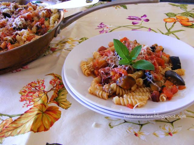 Macarão ao Molho de Tomate e Berinjela