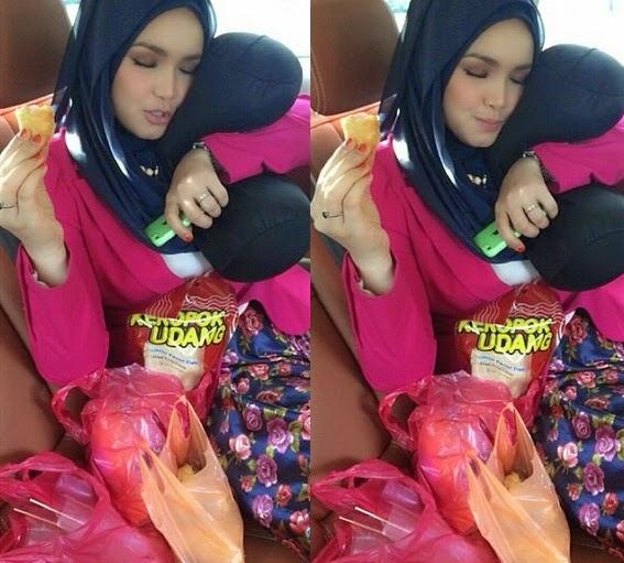 Sedap Tengok Dato K Baring Berbantalkan Peha Gebu Dato Siti Nurhaliza