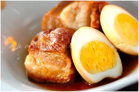 Cách làm thịt kho trứng nước dừa bằng nồi áp suất nhanh nhất
