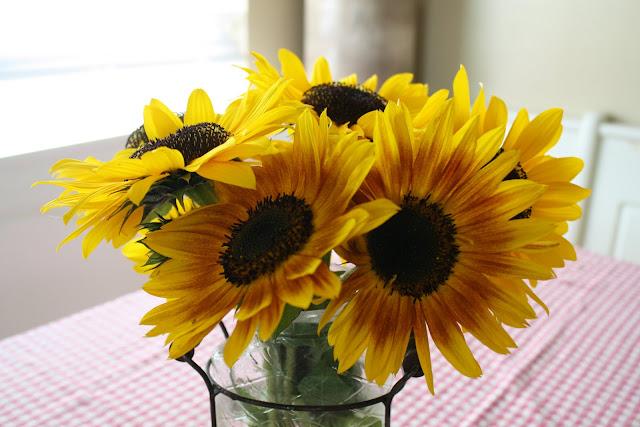 7 tipos de flores que un hombre traerá y lo que dicen sobre él | CafeMom